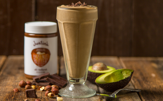 Chocolate hazelnut smoothie with almond milk recipe